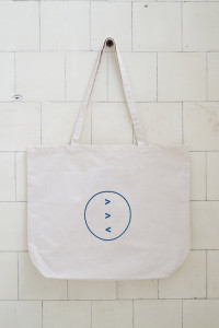 david-dale-gallery-tote-blue-500